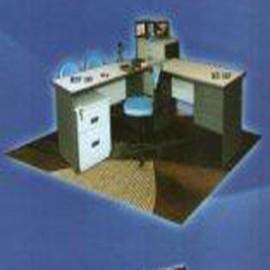 *Meja kantor Daiko 4 *