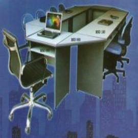 *Meja kantor Daiko 7*