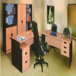 *Meja kantor Daiko 8*